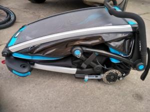 złożona przyczepka rowerowa Thule Sport - Wypożyczlania Itinere